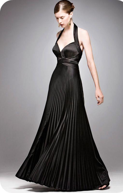 Kısa Boylu Kadınlar İçin Gece Kıyafeti Önerileri